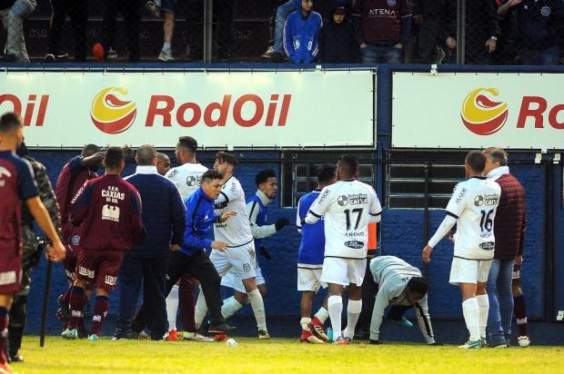 Caxias será julgado nesta quarta-feira pelas confusões no jogo com o Treze-PB Felipe Nyland/Agencia RBS