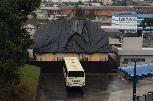 Sede do antigo DNER, em Caxias, recebe tapumes para evitar ação do tempo André Fiedler/Agência RBS