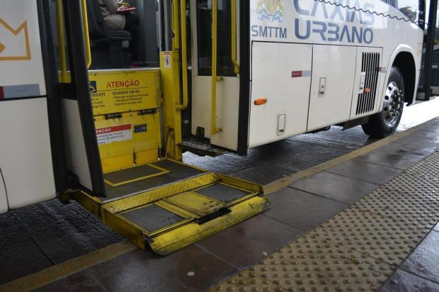 Empresa diz que elevadores em ônibus de Caxias podem ter estragado após vistoria Leonardo Portella/Divulgação