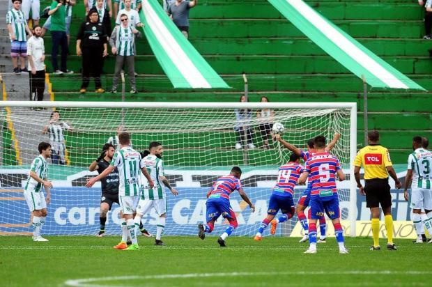Juventude não aproveita as oportunidades e sofre goleada em casa Diogo Sallaberry/Agencia RBS