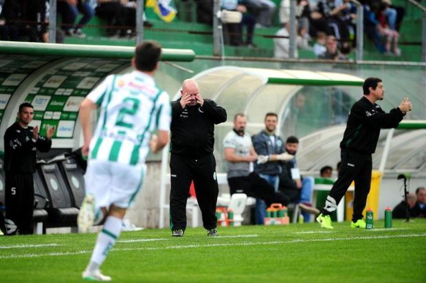 Intervalo: a falta de pontaria do Ju está fazendo falta ao time Diogo Sallaberry/Agencia RBS