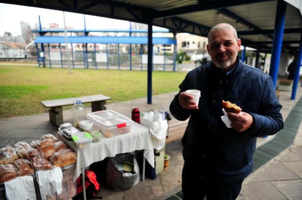 Falta de espaço para a venda de alimentos motiva ação de ambulantes nas EPIs de Caxias Diogo Sallaberry/Agencia RBS
