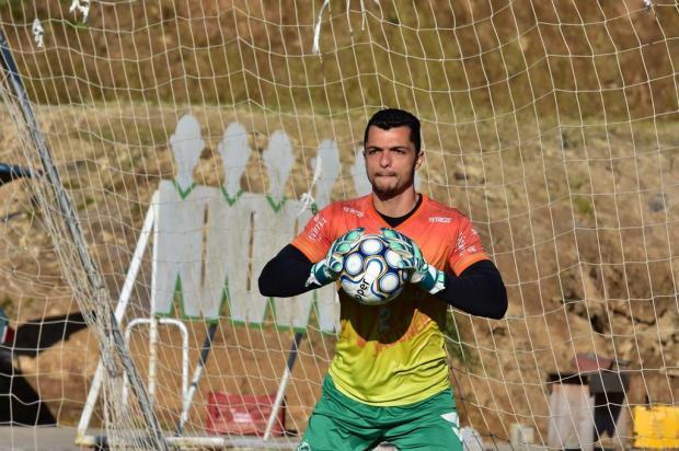 Goleiro Douglas ganha nova oportunidade como titular do Juventude diante do CSA Arthur Dallegrave/Juventude,Divulgação