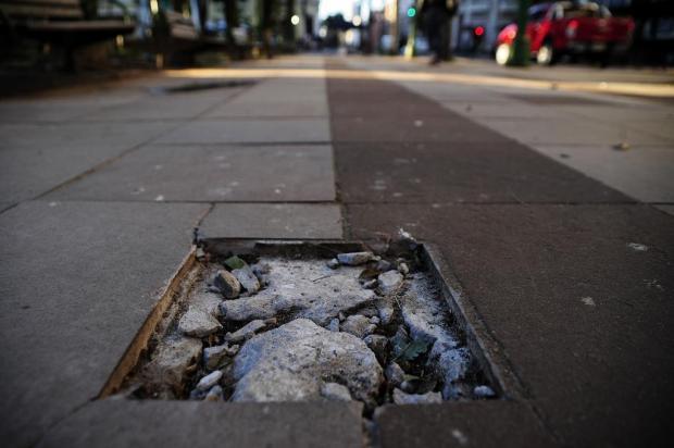Indefinição sobre material a ser utilizado deixa Praça Dante, em Caxias, sem marco zero há quatro meses Marcelo Casagrande/Agencia RBS