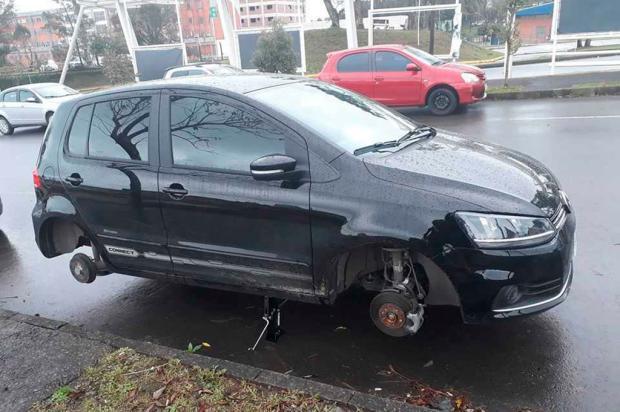 """""""Eu me sinto impotente e triste"""", diz estudante que teve rodas de carro furtadas em Caxias Divulgação/"""