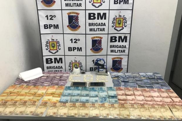 Dupla é presa com 270 porções de crack em Caxias do Sul BM/Divulgação