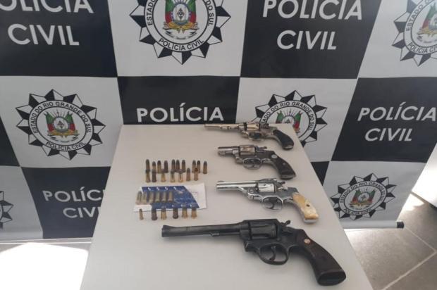 Polícia Civil apreende armas e prende suspeitos de envolvimento com organização criminosa na Serra Alana Fernandes/Agencia RBS