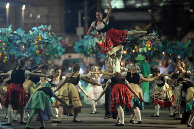 Apenas dois desfiles da Festa da Uva serão na Rua Sinimbu Juan Barbosa/Agencia RBS