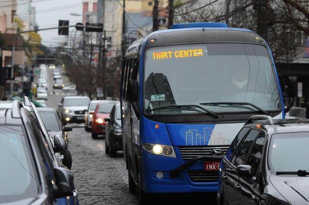 Sem licitação há 20 anos, Câmara analisa projeto para regulamentar táxi-lotação em Caxias Felipe Nyland/Agencia RBS