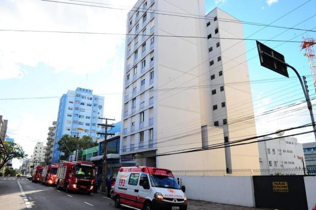 Incêndio destrói apartamento no centro de Caxias Porthus Junior/Agencia RBS