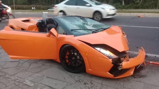 Lamborghini envolvida em acidente na ERS-235, em Gramado, não tinha seguro Reprodução / arquivo pessoal/arquivo pessoal