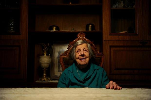 Eleitora de 100 anos dá exemplo de cidadania em Caxias do Sul Lucas Amorelli/Agencia RBS