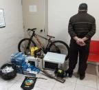 BM prende dono de bar que recebia objetos furtados em Canela Brigada Militar / Divulgação/Divulgação