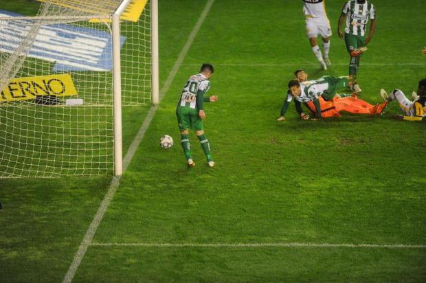 Luiz Carlos Winck aponta a intranquilidade como motivo para derrota do Juventude em casa Lucas Amorelli/Agencia RBS