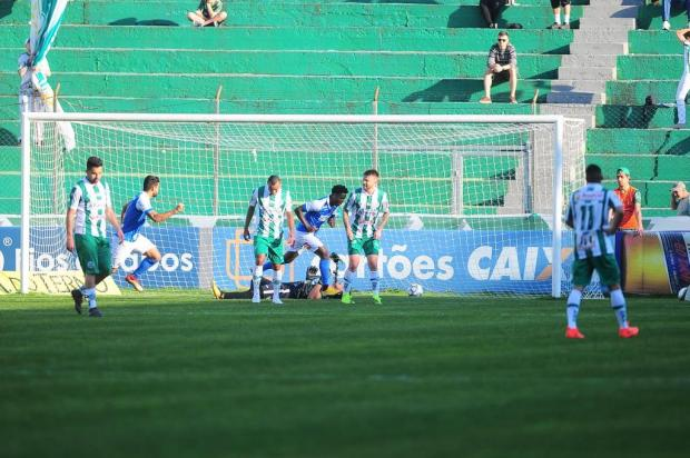 Juventude sofre a oitava derrota e segue na zona de rebaixamento da competição Porthus Junior/Agencia RBS