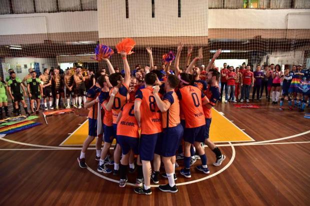 Equipe caxiense é vice-campeã do primeiro campeonato de vôlei LGBT+ em Porto Alegre Hiago Neuberger/Divulgação