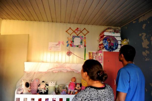 Pais lutam para levar para casa menina internada na UTI há mais de dois anos, em Caxias Lucas Amorelli/Agencia RBS