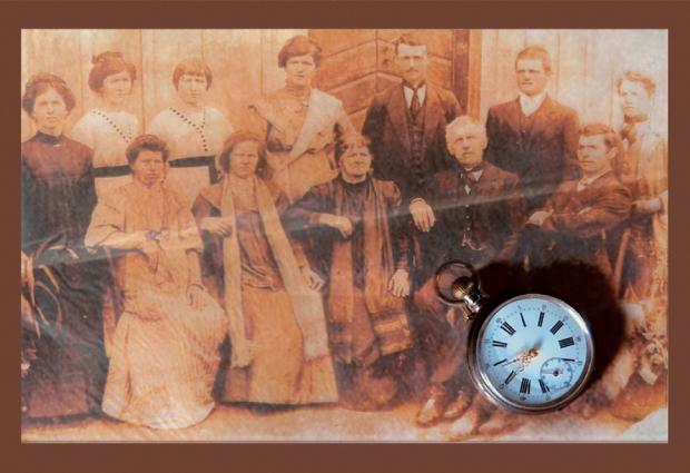"""Livro """"Pátina do Tempo"""", de Dilva Slomp Conte, tem lançamento neste sábado, no Museu Municipal Arte de Bernardete Conte sobre foto de acervo de família / divulgação/divulgação"""
