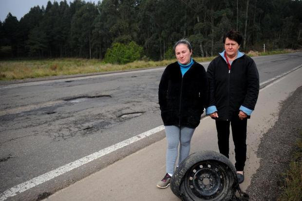 Remendos e buracos incomodam motoristas das estradas da Serra Lucas Amorelli/Agencia RBS