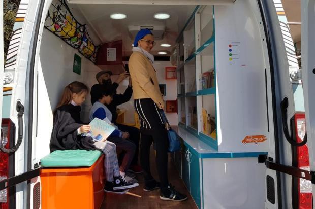 Agenda: Forqueta recebe projeto cultural Book Truck nesta quinta Luciana Abdur e Carol Catarino/Divulgação
