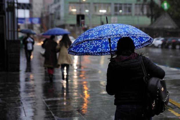 RS tem alerta de chuva, granizo e ventos de até 100 km/h nesta segunda-feira Marcelo Casagrande/Agencia RBS