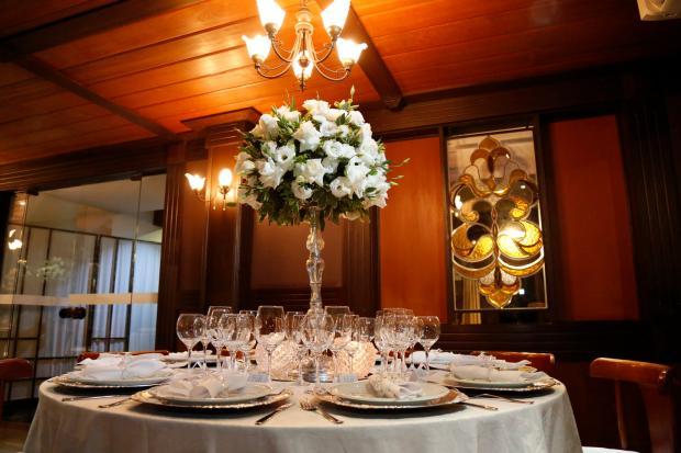 Veja detalhes do enlace ao estilo mini wedding de Eleomar e Thais Fernando Maccagnan, divulgação/