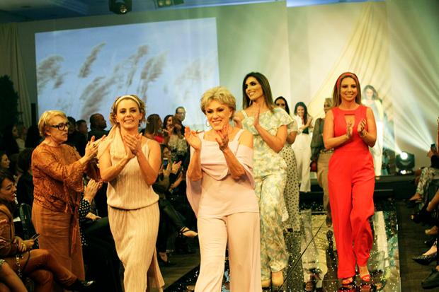 Regina Bellini reuniu mais de 300 pessoas em encontro que mixou moda e benemerência Daniela Xu, divulgação/