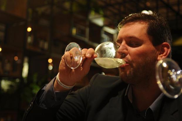 Produtores comemoram alta na venda de vinhos, durante a Wine South America, em Bento Gonçalves Felipe Nyland/Agencia RBS
