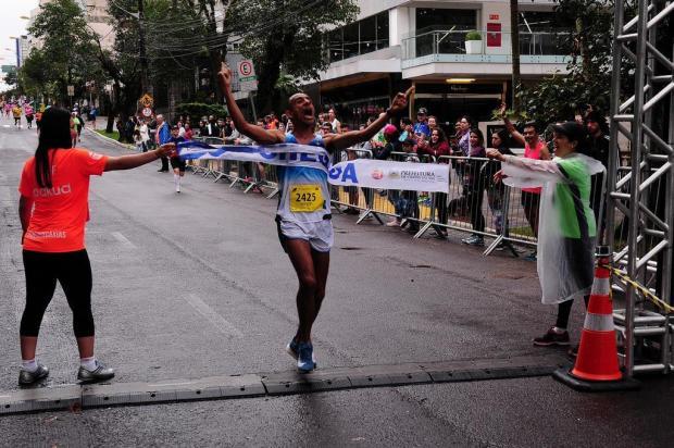 Corredores tomaram as ruas centrais durante 4ª Meia Maratona de Caxias Marcelo Casagrande/Agencia RBS