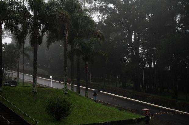 Temperaturas caem e chuva continua nesta terça-feira Diogo Sallaberry/Agencia RBS