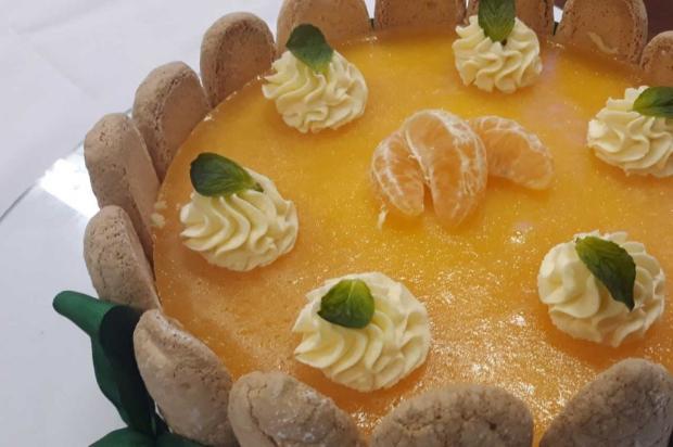 Na cozinha: para a sobremesa, faça charlotte de bergamota com creme de erva mate Débora Moura / Divulgação/Divulgação