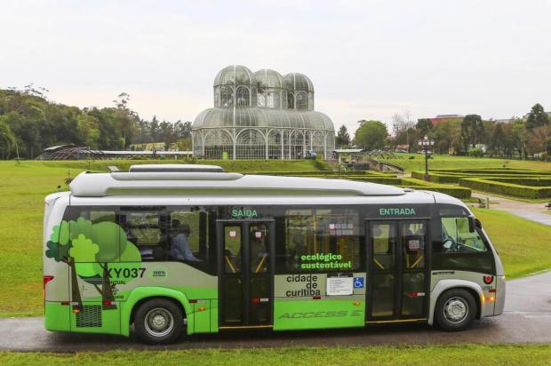 Ônibus 100% elétrico começa a rodar em Curitiba Daniel Castellano/divulgação