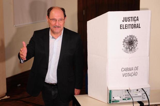 Sartori vota em Caxias do Sul e cobra reforma político-eleitoral em todo o país Diogo Sallaberry/Agencia RBS