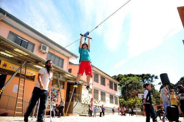 Conheça histórias de quem muda a vida dos alunos através do esporte em Caxias do Sul Diogo Sallaberry/Agencia RBS