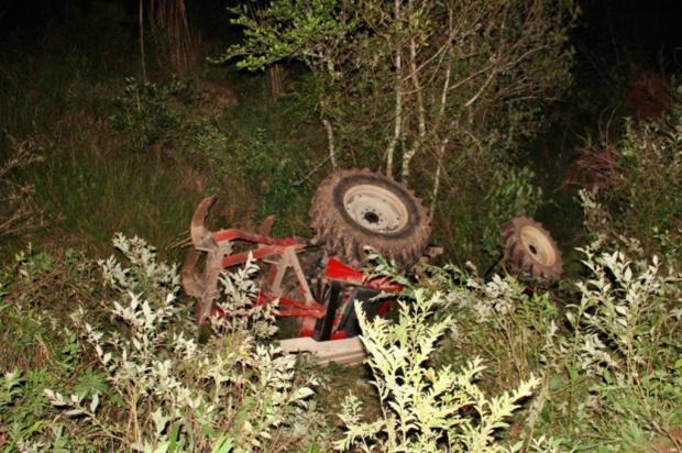 Idoso morre após tombar máquina agrícola em Garibaldi Altamir Oliveira / Estação FM/ Divulgação/Estação FM/ Divulgação