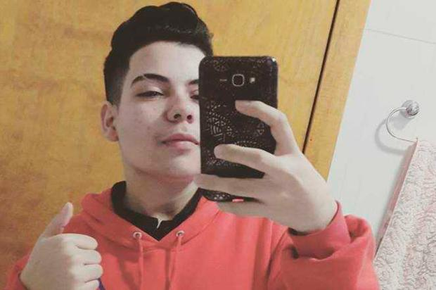 """""""Era um guri do bem"""", diz irmão de adolescente que morreu atropelado na BR-116, em Caxias Reprodução/"""