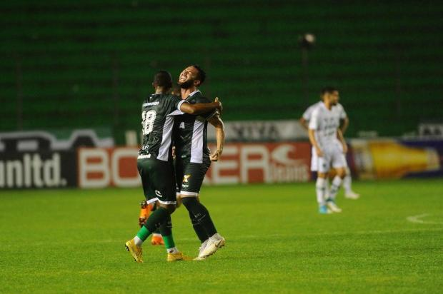 Intervalo: Segundo tempo sofrível contra o Goiás abala a retomada do Juventude na competição Porthus Junior/Agencia RBS