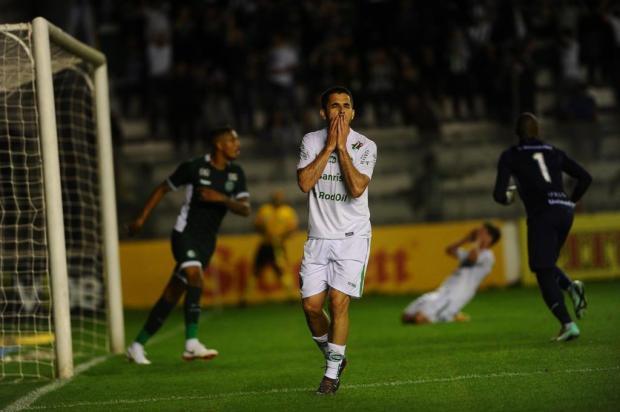 Jogadores não encontram explicações após Juventude levar virada do Goiás no Alfredo Jaconi Porthus Junior/Agencia RBS