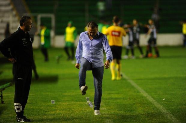 Luiz Carlos Winck quer mudança de atitude dos jogadores do Juventude para sair do Z-4 Porthus Junior/Agencia RBS