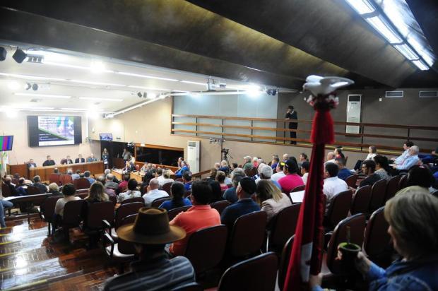 Clima de indignação em audiência sobre agroindústrias na Câmara de Caxias Lucas Amorelli/Agencia RBS