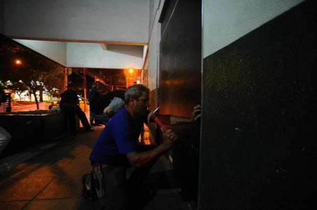 Postão de Caxias fechou às 0h08min para reforma e ampliação Felipe Nyland/Agencia RBS