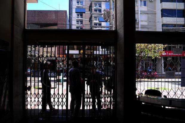 Após regularizar dívida, energia elétrica é restabelecida na agência do Sine em Caxias Diogo Sallaberry/Agencia RBS