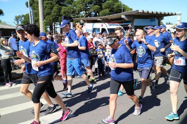 Mais de 2 mil pessoas participam da 2ª Caminhada e Corrida da Saúde Ana Paula da Rocha/Divulgação
