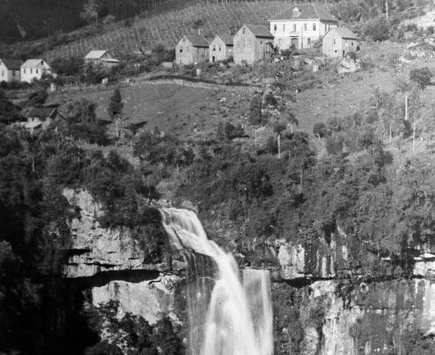 Memória: Galópolis e a cascata Véu de Noiva em 1948 Sisto Muner / divulgação/divulgação