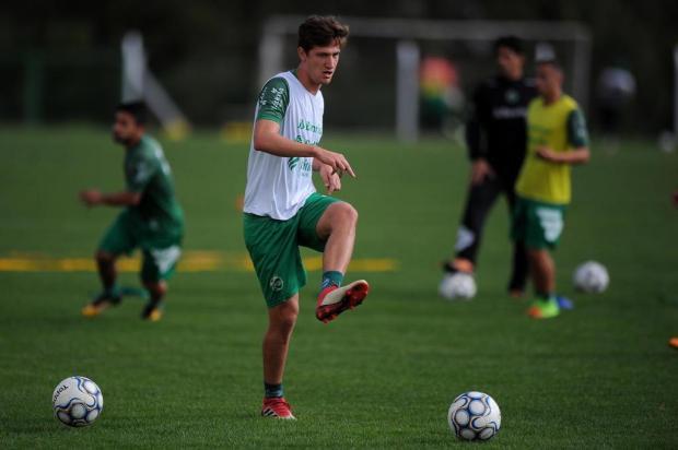 Winck confirma Bertotto na lateral esquerda do Juventude contra o Sampaio Felipe Nyland/Agencia RBS