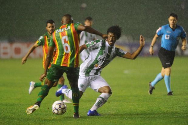 Discurso de alívio dos jogadores do Juventude, após fim da seca de vitórias em casa Porthus Junior/Agencia RBS