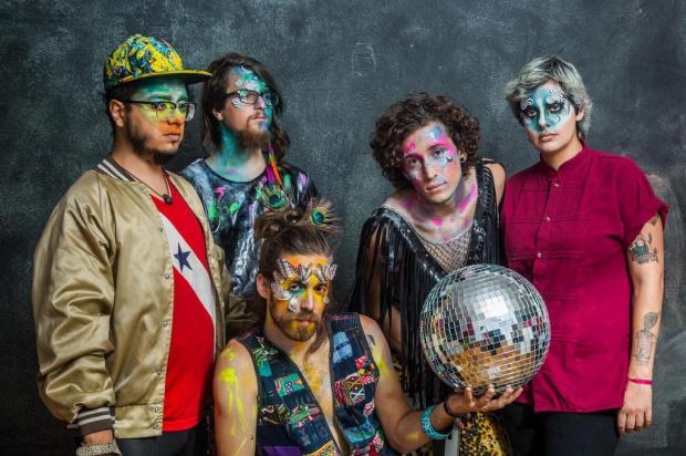 3por4: Bloco da Ovelha promove festa com a banda Francisco, El Hombre RODRIGO GIANESI/Divulgação