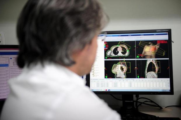 Tacchini, em Bento Gonçalves, utiliza nova tecnologia em radioterapia Lucas Amorelli/Agencia RBS
