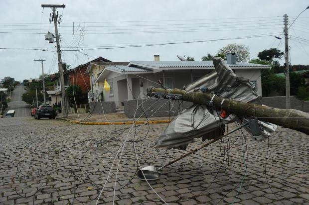 Até a noite desta quarta, 49 mil clientes ainda estão sem energia na Serra Porthus Junior/Agencia RBS
