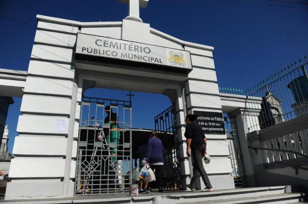 Movimentação nos cemitérios de Caxias do Sul se intensifica próximo ao feriado Porthus Junior/Agencia RBS